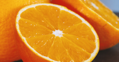 what does vitamin c do for your face